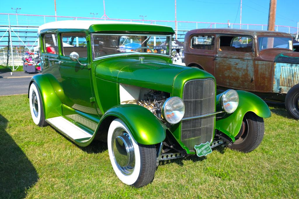 1932-ford-tudor-hdr2